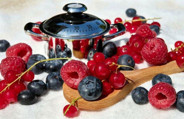 Варенье из лесных ягод и садовых