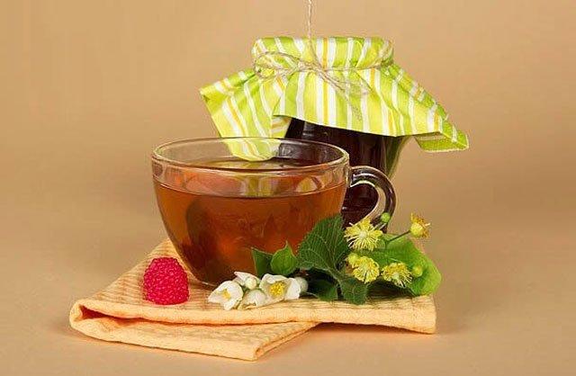 Чай с малиной и медом