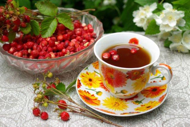 Чай с лесной земляникой