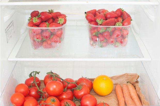 Клубника в холодильнике