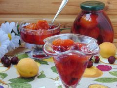 Варенье из абрикосов и вишни