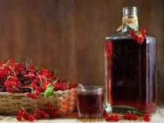 Вино с красной смородины